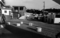 04/08/82 Obras em Candeias (Governo da Bahia (Memória)) Tags: obras governo estado candeias foto agecom govba bahia