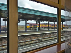 Didcot Platform Cafe. (Deepgreen2009) Tags: window station train cafe view railway 66 western locomotive didcot ews stabled
