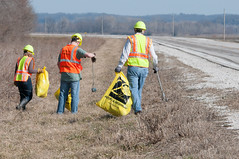 D5634_CM-147 (MoDOT Photos) Tags: vests callawaycounty hardhats employees safetyglasses trashpickup adoptahighway route94 modot centraloffice 2013 safetyequipment