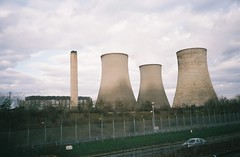 Didcot cooling towers (knautia) Tags: uk england film march fuji superia railway olympus ishootfilm xa2 olympusxa2 didcot powerstation firstgreatwestern coolingtower onthetrain 2013 imonthetrain xa2roll89 400siso newporttolondon