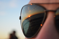 (marinahmuller) Tags: sunset glass reflect