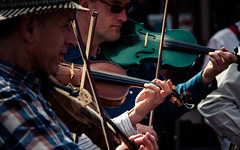 oxford-4-210413 (Snowpetrel Photography) Tags: people music portraits spring streetperformers festivals streetphotography violin oxford folkdancing muscians smcpm120mmf28 pentaxk5