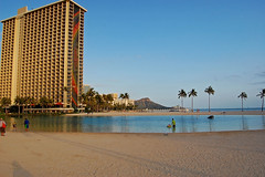 Across the Lagoon (jcc55883) Tags: ocean hawaii nikon waikiki oahu palmtrees pacificocean diamondhead hiltonhawaiianvillage rainbowtower yabbadabbadoo d40 hiltonlagoon nikond40