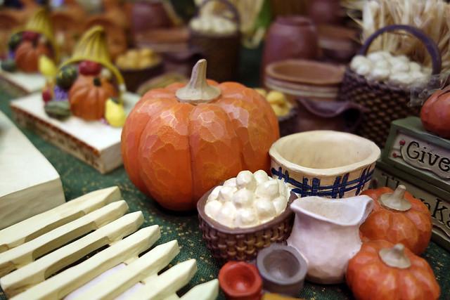 木製の雑貨など、ギフトショップには雰囲気のあるアイテムも多。|キープファームショップ