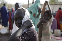 Women and girls getting water (Danish Refugee Council) Tags: woman southsudan april drc waterpoint 2013 maban uppernilestate danishrefugeecouncil jesperguhle yusufbatilcamp
