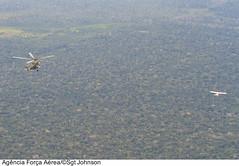 Procedimento de interceptação (Força Aérea Brasileira - Página Oficial) Tags: brasil selva floresta helicoptero portovelho aeronave rondônia forcaaereabrasileira ab115 interceptador milmi35 fotojohnsonbarros ah2sabre interceptacao aeroboero115 aeronaveilicita