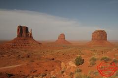 Monument Valley (Arnal DJN) Tags: utah navajo monumentvalley etatsunis mittenbutte ouestamericain canon7d nordarizona arnaudberrot