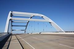 Gateway Bridge (Nashville, Tennessee). (cmh2315fl) Tags: archbridge througharchbridge koreanwarveteransmemorialbridge gatewaybridge americanbridgecompany cumberlandriver nashville davidsoncounty tennessee
