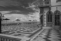 Ca' d'Zan in B&W - HFF (11Jewels) Tags: canon 18200 bw cadzanmansion ringlingmuseum sarasotafl florida fencefriday hdr photomatic