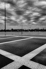 En X (Olivier DESMET) Tags: olivierdesmet noirblanc nb bw blackandwhite monochrome contraste highcontrast lowkey black noir texture parking street streetphoto photosderue seinemarne senart carresenart ricoh ricohgr gr 28mm urbain urban