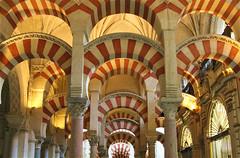 Bianco e rosso, Mezquita di Cordoba - Red and White (lucy e gian) Tags: andalucia andalusia spain spagna colori cordova cordoba moschea mezquita