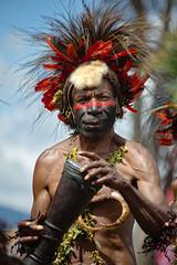Goroka Show 04 (travelationship) Tags: travel travelationship travelphotography papuanewguinea png gorokashow goroka easternhighlandsprovince singsing tribe culturalshow