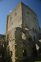 The Keep of Porchester Castle (CoasterMadMatt) Tags: portchestercastle2016 portchestercastle portchester castle keep ruin ruins medievalcastle fortress englishcastles castles history englishheritage heritage property hampshire hamps southeastengland england britain greatbritain gb unitedkingdom uk july2016 summer2016 july summer 2016 coastermadmattphotography coastermadmatt photos photography nikond3200