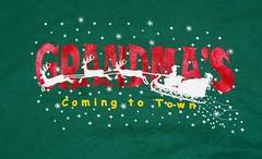 Vintage tee (itstayedinvegas-4) Tags: christmas grandma sled santa graphicteeshirt nikkor18300mm