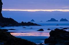 Coucher de soleil  goulien (nolyaphotographies) Tags: crozon finistere bretagne france nikon camaret pen hir tas de mer plage seascape landscape ciel nuage bleu