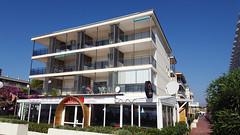 Frontal Viviendas Augustus (Augustus Hotels) Tags: vacaciones playa familia saloucambrils