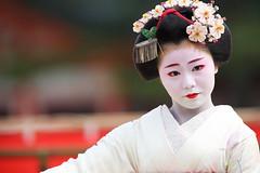 Maiko (Teruhide Tomori) Tags: portrait japan dance kyoto performance maiko   kimono tradition japon odori     canonef300mmf28lis  canoneos5dmark