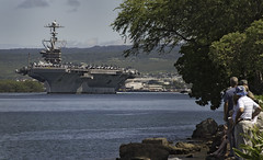 USS John C. Stennis departs Pearl Harbor. (Official U.S. Navy Imagery) Tags: heritage america liberty freedom hawaii commerce unitedstates military navy sailors fast worldwide pearlharbor tradition usnavy protect deployed flexible onwatch beready defendfreedom warfighters nmcs chinfo sealanes warfighting preservepeace deteraggression operateforward warfightingfirst navymediacontentservice