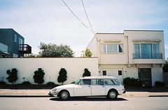 Family classic (pour la bourgeoisie) (Robert Ogilvie) Tags: foundinsf olympusxa autofocus kodakektar gwsf