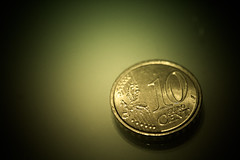 10c (Djorgio81) Tags: money macro gold coin euro 10 cent cents ten  soldi dieci moneta centesimi
