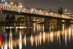 Hawthorne Bridge (Curtis Gregory Perry) Tags: portland oregon hawthorne bridge willamette river night long exposure water reflection nikon d800e fav10 水 注入水 wasser agua vatn natë gau ноч нощ nit noc nat νύχτα notte nakts naktis noite lejl natt ночь éjszaka נאַכט रात 夜 夜晚 đêm gece nag usiku dare bosiu gabii gabi wengi alina malam po