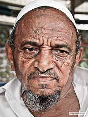 P7281900_Edit (Omar Reda) Tags: poverty old portrait face closeup beard asian eyes sad expression african indian details extreme poor vegetable moustache international arab worker desaturated frown drama scar saudiarabia ksa suffer nationality saudiaarabia