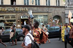 Black Lives Matter- Demo in Berlin, Juli 2016 (bsdphoto) Tags: demonstration protest demo berlin politik blacklivesmatter rassismus solidaritt schwarze blackcommunity peopleofcolor farbige oranienstrase kreuzberg deutschland deu