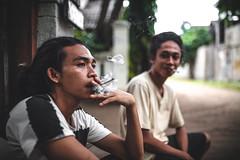 buy me a beer (-Alfred-) Tags: gili canon portrait makeportraits 35mm sigma smoke smoking fade