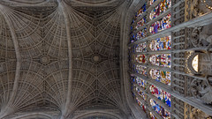 King's College Chapel: Interiors (rafa.esteve) Tags: cambridge reinounido unitedkingdom chapel college 16x9 roof columns gothic architecture
