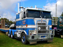 photo by secret squirrel (secret squirrel6) Tags: craigjohnsontruckphotos kenworth cabover studdhaulage flatbed float lardnerpark kw cibie
