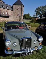 Wolseley saloon & Burg Zelem (Pim Stouten) Tags: arden british car auto wagen pkw vhicule macchina burgzelem wolseley saloon sedan