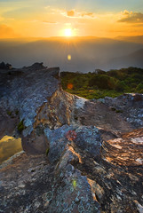 Sunset on the Ridge (edwinemmerick) Tags: sunset cliff sun mountains nature rock landscape nikon australia bluemountains nsw sunburst edwin clifftop d60 wentworthfalls emmerick edwinemmerick
