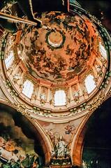 Eglise Saint-Nicolas de Mala Strana, Prague (jacqueline.poggi) Tags: church architecture praha baroque église républiquetchèque malastrana tchequie česko českárepublika architecturereligieuse tchécoslovaquie