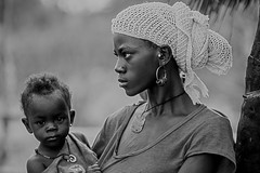 orgoglio di madre (mat56.) Tags: portrait woman white black monochrome portraits monocromo donna village child femme mother pride yeux mamma bimbo senegal enfant ritratti bianco ritratto nero madre orgoglio afrique villaggio fierezza sipo mat56 supercontest donnenelmondo potd:country=it httpwwwflickrcomphotos33486695n06tagspotd3acountry3dit