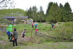 Lots of fun in the wetland! (BCWF Wetlands Education Program) Tags: bc conservation environmental environment restoration langley wetland arbourday citizenscience bcwf townshipoflangley langleyenvironmentalpartnerssociety wetlandseducationprogram