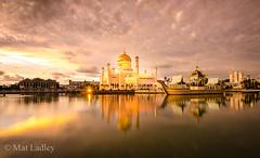 Brunei (Mat Ladley Photography) Tags: travel sunset reflection water asia southeastasia mosque borneo brunei masjid bandarseribegawan sultanomaralisaifuddienmosque