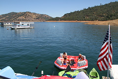 lake_oroville_june13 (19) (KrystianaBrzuza) Tags: summer lake houseboat boating pontoon oroville onthewater lakeoroville