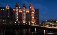 HafenCity - Night Lights (stein.anthony) Tags: city cityscape hafencity nachtaufnahme langzeitbelichtung longexposure blauestunde hamburg