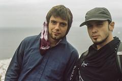 Francesco and friend (Pedro fait de la Photo) Tags: asa400 francescocrisci fujifilm gaspesie filmreel