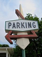 Meier's Cork 'N Bottle, Lincoln, NE (Robby Virus) Tags: lincoln nebraska meiers kenneth meier sign signage cork n bottle liquor alcohol beer wine arrow