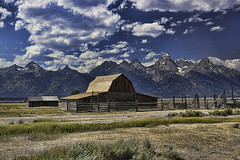 Grand Tetons Moulton Barn (al_g) Tags: tetons barn mountains wyoming moultonbarn clouds