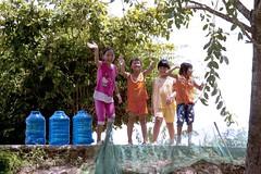 Girls Greeting Travelers (SAM601601) Tags: girls mekongriver vietnam sam601601 greeting friendly