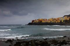El Roque (ke0ky) Tags: spain grancanaria landscape landschaft sea meer atlantic atlantik shore kste village dorf wellen waves brandung spanien