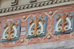 Eglise Notre-Dame-des-Anges (fin XIXe), Royan (17) (Yvette Gauthier) Tags: artnouveau royan 17 charentemaritime poitoucharentes architecture bellepoque glise glisenotredamedesanges nogothique noroman faence cramique ricoux prusson