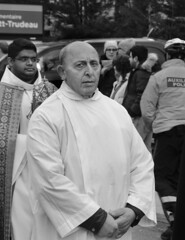 D7K_1652_epgs (Eric.Parker) Tags: easter 2016 goodfriday procession littleitaly stfrancis assisi church stfrancisofassisi college street jesus christ stationsofthecross christian christianity brassband toronto bw palm