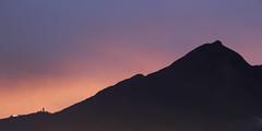La Teta del vila (Rafael Gonzalez V.) Tags: sunset verde atardecer humboldt venezuela paisaje el caracas pico oriental palo lanscape avila paisajismo waraira repano