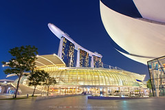 Marina Bay Sands Building the robot (Noom HH) Tags: city travel night marina bay twilight singapore asia cityscape nightscape nightscene sands