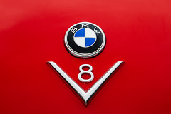 BMW V8 (Traveller_40) Tags: auto bmw bayerischemotorenwerke car oldtimer photowalk photowalkingmunich photowalkingmunich:event=57 theresienhöhe theresienwiese v8 walk red rot vignette minimalism explore pwm pwm57