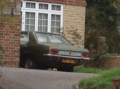 1973 VAUXHALL VICTOR FE (Yugo Lada) Tags: old uk green classic cars car photo nice sitting retro victor vehicle parked spotted 1995 fe rare 1973 vauxhall uploaded:by=flickrmobile flickriosapp:filter=nofilter ord507m