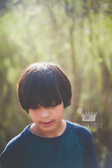 Exploring (Adriana Gomez (Adriana Varela)) Tags: boy outdoors child lookingdown brownhair 11yearold